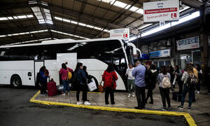 Πάσχα 2019: Με... αεροπλάνα και βαπόρια εγκαταλείπουν την Αθήνα οι εκδρομείς - Αδειάζει η πρωτεύουσα