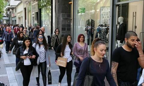 Εορταστικό ωράριο - Μεγάλη Παρασκευή: Τι ώρα θα κλείσουν τα καταστήματα