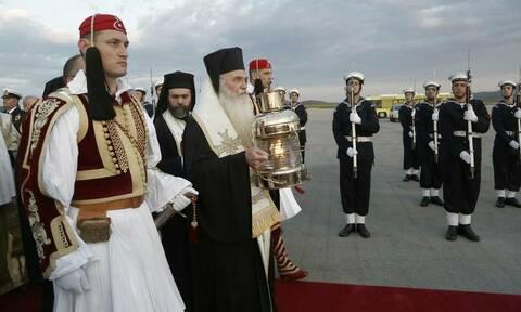 Πάσχα 2019: Πώς θα φτάσει στην Ελλάδα το Άγιο Φως - Η ώρα άφιξής του σε 14 προορισμούς