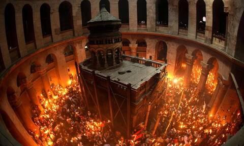 Πάσχα 2019: Η συγκλονιστική στιγμή της Αφής του Αγίου Φωτός - Τι ώρα φτάνει στην Ελλάδα (vid)