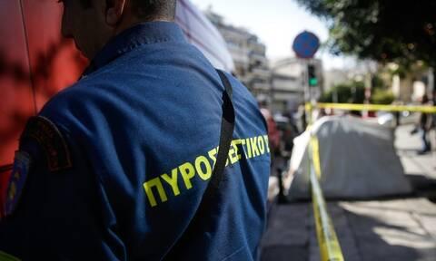 Φωτιά σε διαμέρισμα στην Αχαρνών - Έρευνες για εγκλωβισμένους