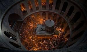Άγιο Φως: Με καθυστέρηση η άφιξή του στην Ελλάδα - Στο αεροδρόμιο της Ελευσίνας η υποδοχή