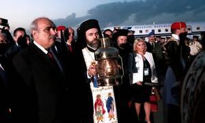 «Αλαλούμ» με το Άγιο Φως: Πυρ και μανία οι ιερείς
