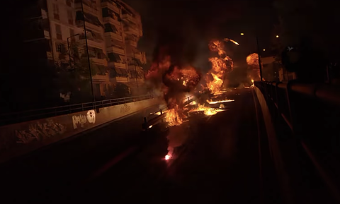 Νέος Κόσμος: Ανάσταση με… μολότοφ, βεγγαλικά και φωτιές! (video)