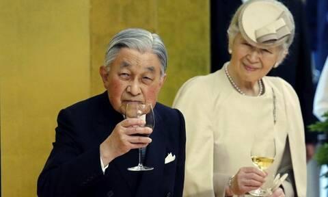 Ιστορική στιγμή: Παραιτείται ο αυτοκράτορας Ακιχίτο!