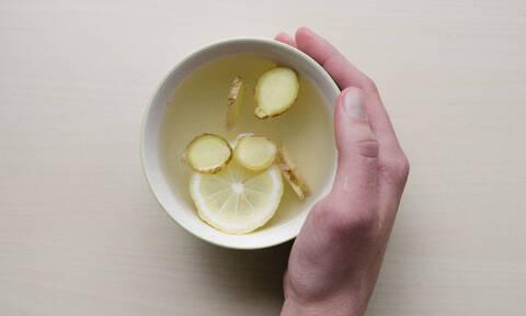 Ποια ροφήματα θα σε βοηθήσουν εφόσον παράφαγες (+ ένα detox smoothie)