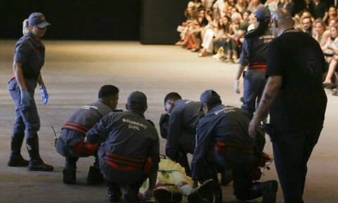 Τραγωδία: Μοντέλο κατέρρευσε την ώρα που έκανε πασαρέλα - Πέθανε λίγο μετά (video)