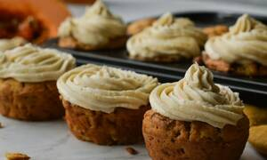 Η συνταγή της ημέρας: Cupcakes κολοκύθας με επικάλυψη κανέλας