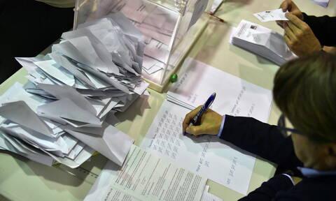 Ισπανία εκλογές: Πρώτος χωρίς πλειοψηφία ο Σάντσεθ  - Στη Βουλή η ακροδεξιά μετά από 40 χρόνια