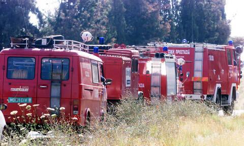 Κρήτη: Φωτιά με εκρήξεις σε αποθήκη επισκευής σκαφών (pics)
