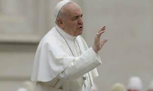 Πάπας Φραγκίσκος στους κομμωτές: «Μην κουτσομπολεύετε»