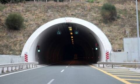 Χαμός στην Εγνατία: «Πάγωσαν» οι οδηγοί με αυτό που είδαν στο τούνελ (pics)