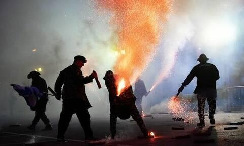 В Греции во время пиротехнической пасхальной стрельбы погиб телеоператор