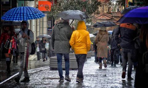 Καιρός: Πρωτομαγιά με βροχές και πτώση της θερμοκρασίας – Ποιες περιοχές θα επηρεαστούν