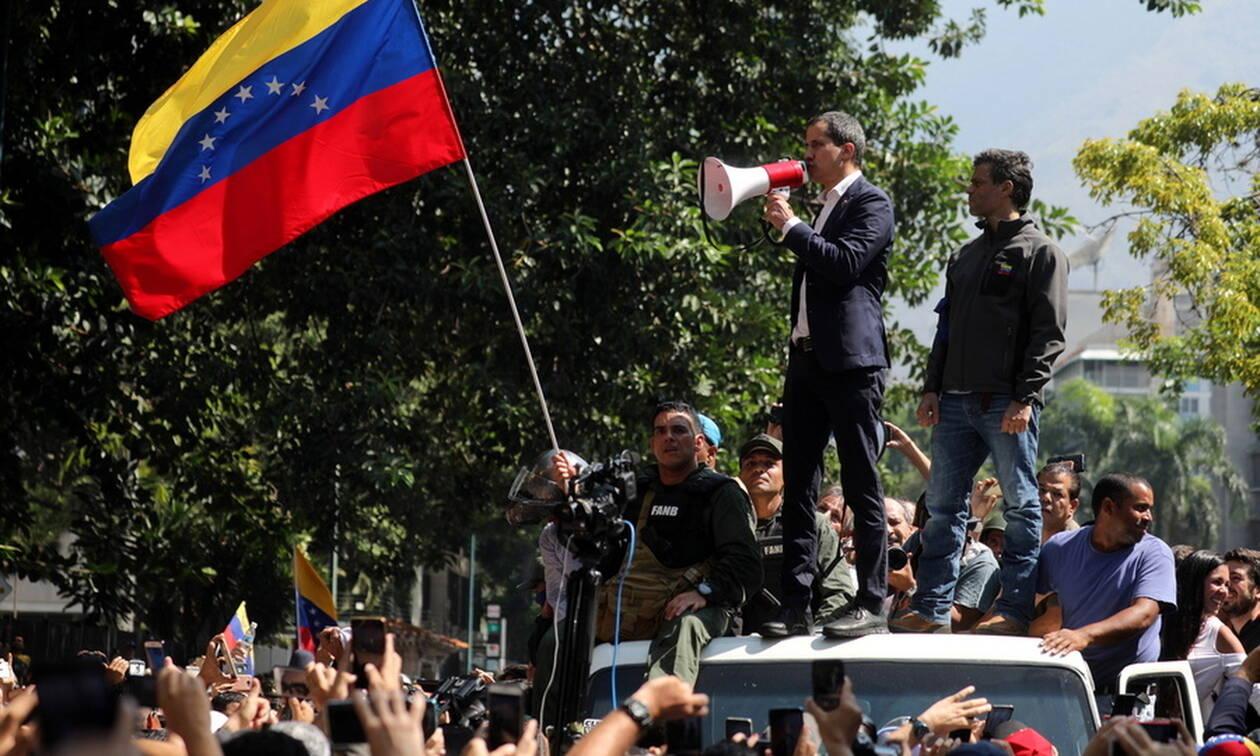 Βενεζουέλα: Στα πρόθυρα εμφυλίου - Εκτός ελέγχου η κατάσταση - Συγκρούσεις στους δρόμους (pics)