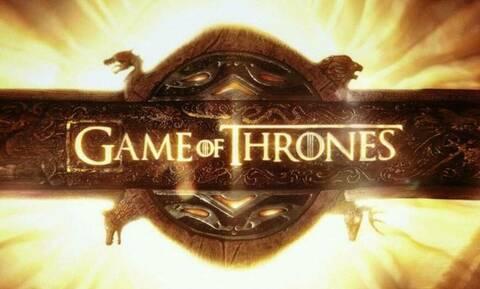 Σαν δυο σταγόνες νερό! Γκαρσόνι με απίστευτη ομοιότητα σε πρωταγωνιστή του Game of Thrones (pics)