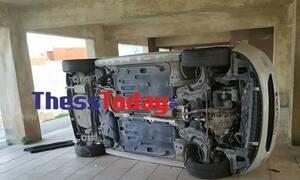 Εικόνες - ΣΟΚ στον Εύοσμο: Βρήκαν αναποδογυρισμένα όλα τα αυτοκίνητα (pics)