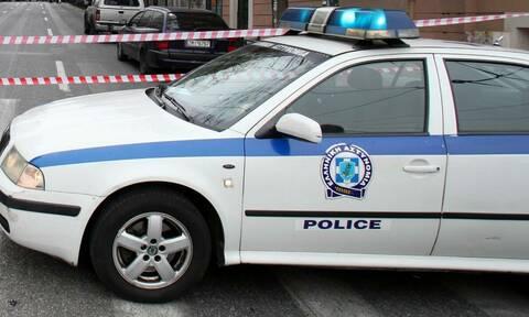 Άγριο φονικό στο Παλαιό Φάληρο: Μαχαίρωσαν γυναίκα έξω από το σπίτι της