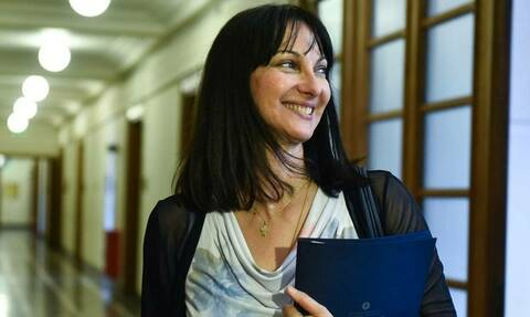 Министр туризма Греции Элени Кундура подала в отставку