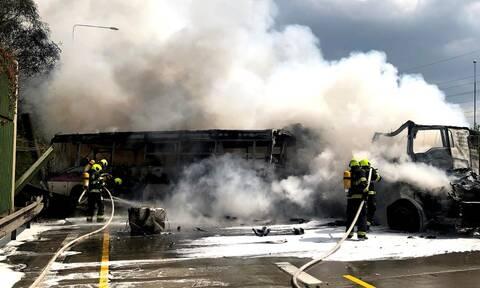 Παραλίγο τραγωδία στη Βουλγαρία: Λεωφορείο που μετέφερε παιδιά τυλίχθηκε στις φλόγες
