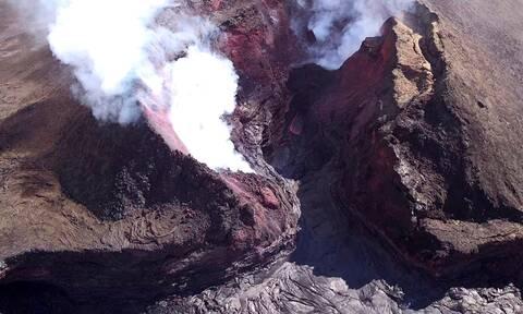 Έπεσε στον κρατήρα ενεργού ηφαιστείου και επέζησε! (vid)