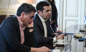«Κλειδώνει» το πακέτο παροχών της κυβέρνησης: Συνάντηση Τσίπρα - Τσακαλώτου