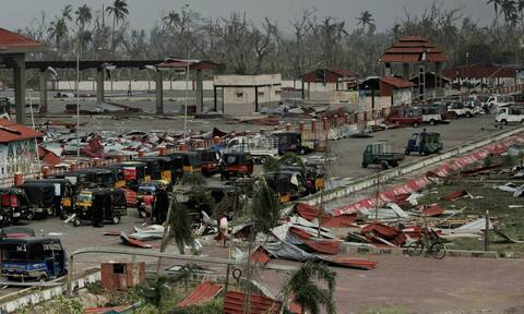 Φάνι: Ο φονικός τυφώνας έπληξε και το Μπαγκλαντές (pics&vids)