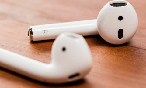 Κατάπιε κατά λάθος ακουστικά και αυτά συνέχισαν να λειτουργούν στο στομάχι του! (photos)