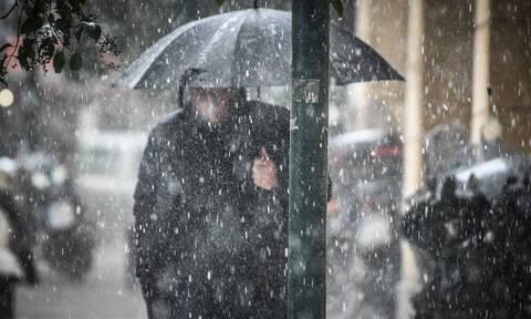 Καιρός: Με βροχές και καταιγίδες ξεκινά η εβδομάδα – Ποιες περιοχές θα επηρεαστούν (pics+vid)