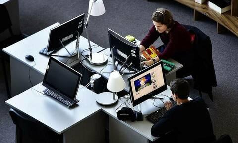 ВЦИОМ: почти половина россиян не представляет свою жизнь без интернета