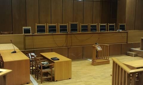 Δικαστές και Εισαγγελείς κατά Ρουβίκωνα: Φασιστική μέθοδος οι απειλές τους