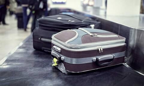 Αυτό το βίντεο δείχνει γιατί αργούν οι αποσκευές σου στο αεροδρόμιο