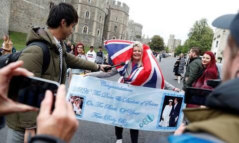 Βρετανία: Μετά την γέννηση του βασιλικού μωρού τα στοιχήματα για το όνομα - Τα επικρατέστερα