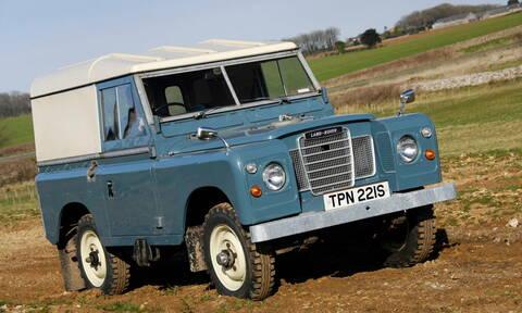 Στη νέα ταινία του James Bond ένα από τα αυτοκίνητα θα είναι ένα «αρχαίο» Land Rover