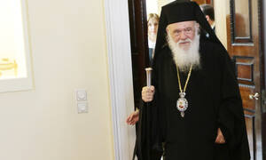 Στο Αγλαΐα Κυριακού για την 8χρονη Αλεξία ο Αρχιεπίσκοπος Ιερώνυμος (vid)