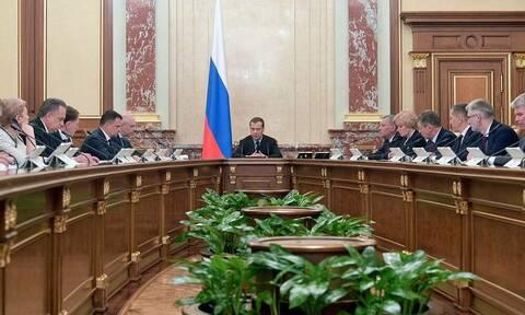 Медведев потребовал сделать технический контроль качества нефти безукоризненным