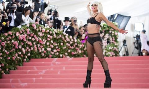 MET Gala 2019: Τίποτα δεν είναι πολύ ακραίο! Οι εκκεντρικές εμφανίσεις και το σόου της Lady Gaga