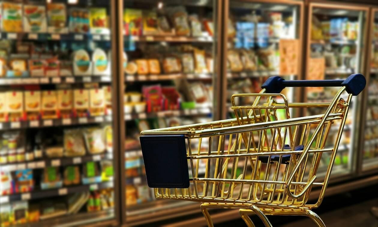 Μείωση ΦΠΑ: Πιο φθηνό το καλάθι της νοικοκυράς – Σε ποια προϊόντα πέφτει η τιμή
