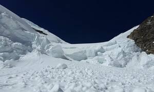 При сходе лавины в горах Алтая погибли семь человек