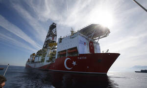 Εκτός ελέγχου οι Τούρκοι: Δύο γεωτρύπανα και πολεμικά πλοία στην Κυπριακή ΑΟΖ – Επικίνδυνη κλιμάκωση