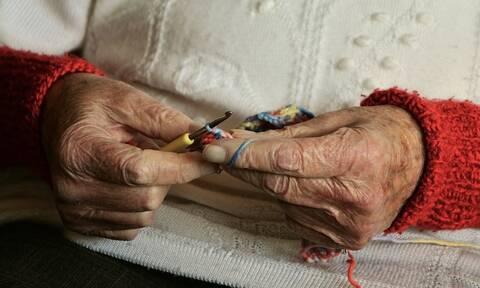 Νέα εξαπάτηση ηλικιωμένων: «Χτύπησαν» ξανά οι «υπάλληλοι» της ΔΕΗ