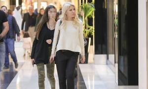 Ελένη Μενεγάκη: Βόλτα και ψώνια με την κόρη της, Λάουρα Λάτσιου