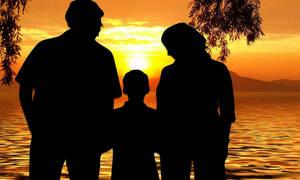 Επίδομα παιδιού - ΟΠΕΚΑ: Πότε μπαίνουν τα χρήματα της β' δόσης στους λογαριασμούς