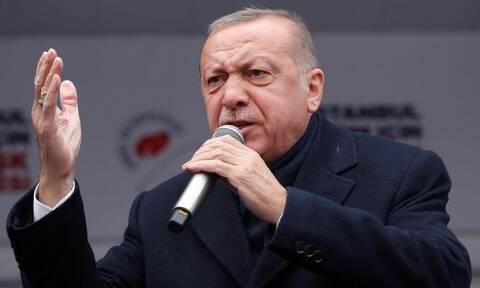 Ερντογάν σε Τούρκους αξιωματικούς: Να είστε έτοιμοι - Συμμορίες σκότωναν τα αδέρφια μας στην Κύπρο
