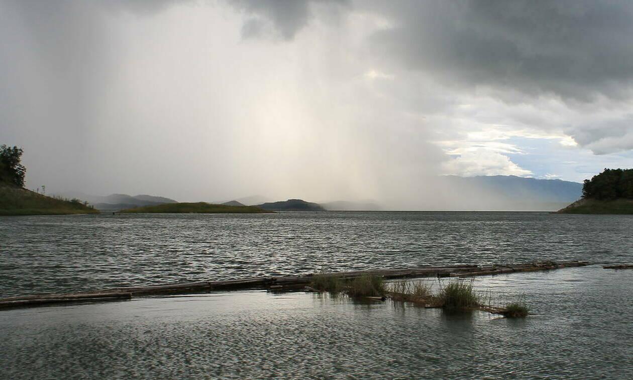 Καιρός τώρα: Παρασκευή με νοτιάδες και άνοδο της θερμοκρασιας - Δείτε πότε θα βρέξει (pics)