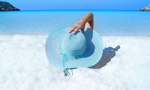 Πώς να λάμπετε και στην παραλία - Tips για να φαίνεστε πιο όμορφες