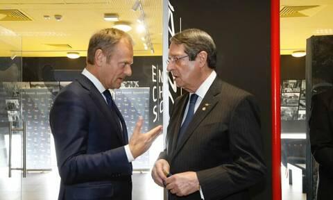 Η Κύπρος σε «πολιορκία» και οι Ευρωπαίοι «χαϊδεύουν» ακόμα τον «σουλτάνο»