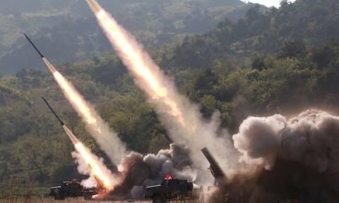Β. Κορέα: Η Πιονγκγιάνγκ προχώρησε στη δοκιμή ενός όπλου «μεγάλου βεληνεκούς» (vid)