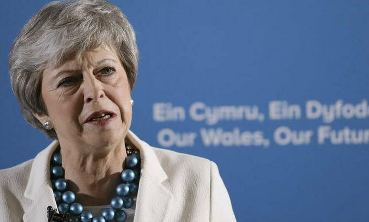 Brexit: Πιέσεις σε Μέι για να ξεκαθαρίσει το χρονοδιάγραμμα της αποχώρησης της