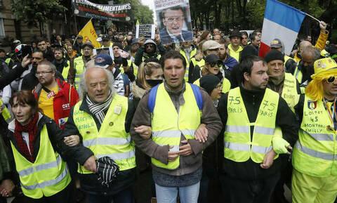 Γαλλία: Δακρυγόνα και δεκάδες προσαγωγές στην 26η πορεία των κίτρινων γιλέκων